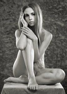girl-1730199__340
