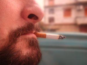 cigarette-1154112_640