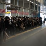JR新橋駅の乗客数が増加