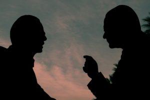 silhouette-3002698_640