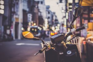 scooter-2792992_1920